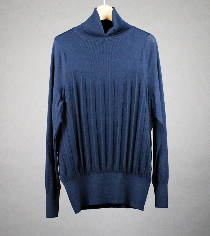 Pleated turtle neck sweater