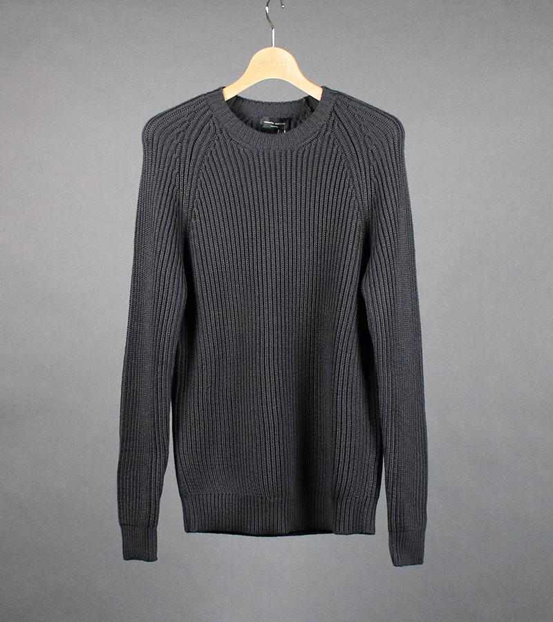 RIBBED ROUNDNECK